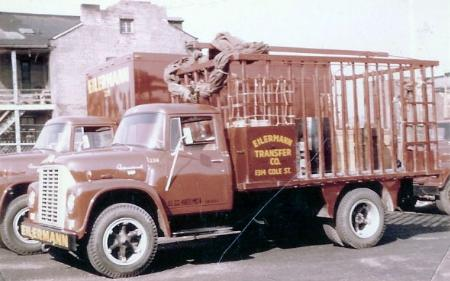 http://forums.justoldtrucks.com/Uploads/Images/093c3b25-bc49-49f0-a765-00a1.jpg