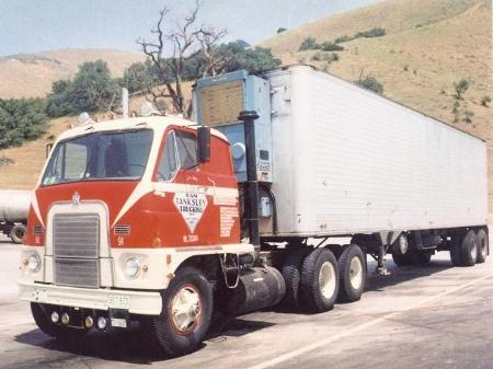 http://forums.justoldtrucks.com/Uploads/Images/0b8abff3-36b4-4d3f-8285-8f63.jpg