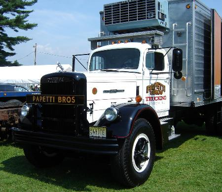 http://forums.justoldtrucks.com/Uploads/Images/15c75b59-0497-498d-8793-6904.jpg