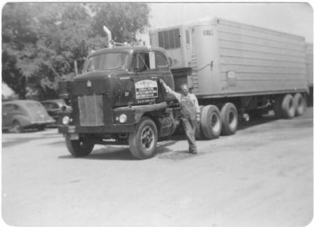 http://forums.justoldtrucks.com/Uploads/Images/16136e59-1684-4560-b462-73e5.jpg