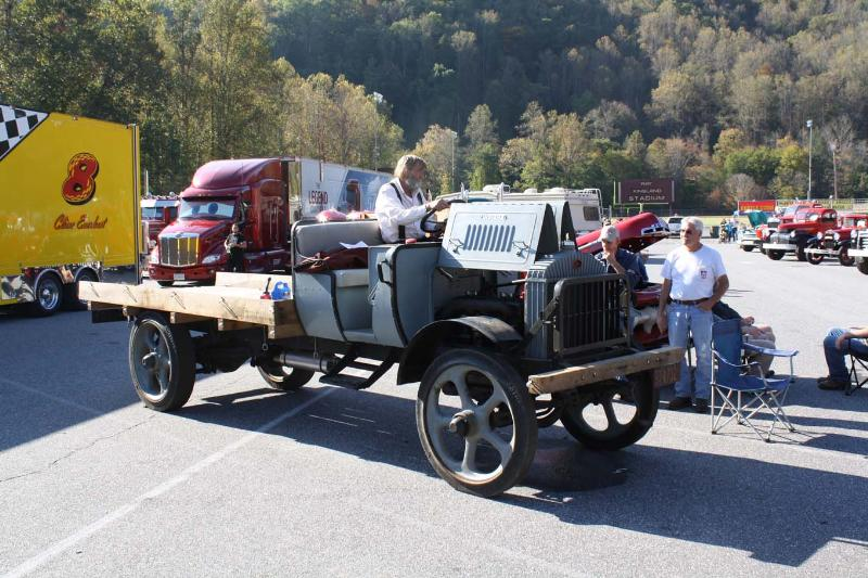 http://forums.justoldtrucks.com/Uploads/Images/219f2578-fedc-45bb-99bd-b973.JPG