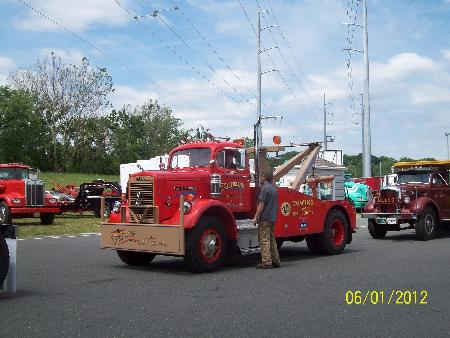 http://forums.justoldtrucks.com/Uploads/Images/25fc778f-cf14-4833-ae3d-e86c.jpg
