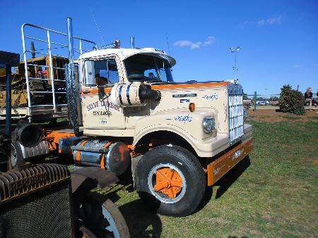 http://forums.justoldtrucks.com/Uploads/Images/462c6765-6587-4f38-beac-bd4d.JPG