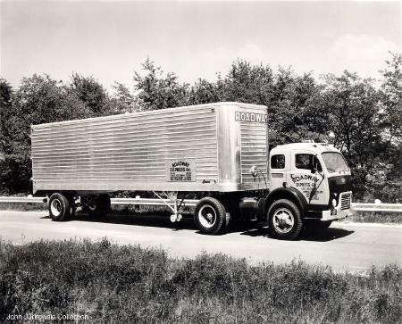 http://forums.justoldtrucks.com/Uploads/Images/47c3e9fb-a078-4957-85e4-89f3.jpg