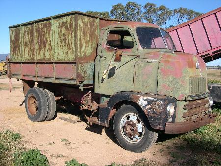 http://forums.justoldtrucks.com/Uploads/Images/532f57e9-f248-44ca-aeb2-3719.JPG