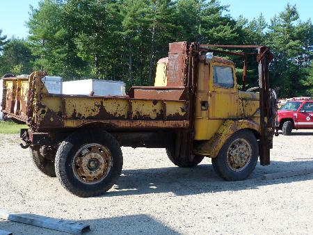 http://forums.justoldtrucks.com/Uploads/Images/5362dc6d-2883-442c-8e71-0858.JPG