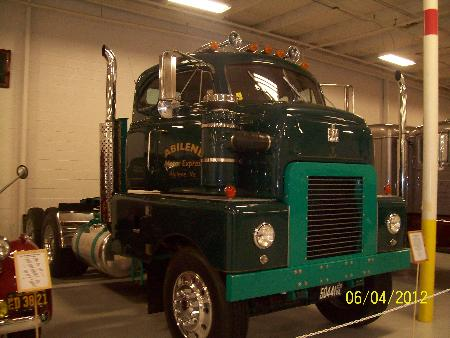 http://forums.justoldtrucks.com/Uploads/Images/6d3ea1e1-9f6c-4031-82d0-178f.jpg