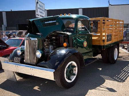 http://forums.justoldtrucks.com/Uploads/Images/7bddfb01-cf04-4536-a591-250d.jpg
