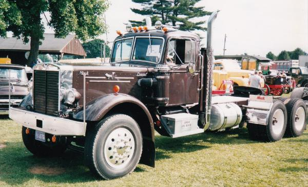 http://forums.justoldtrucks.com/Uploads/Images/7c97a30c-4924-47ae-8c99-37f6.jpg