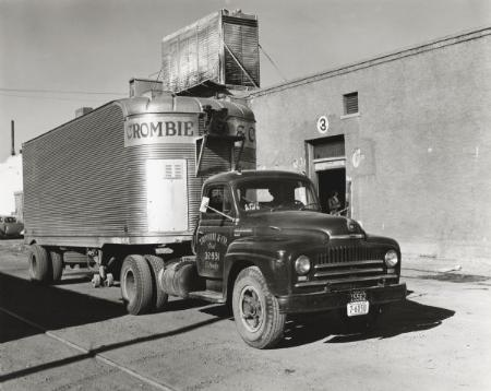 http://forums.justoldtrucks.com/Uploads/Images/802c7fbb-2bc9-4019-b10c-2688.jpg