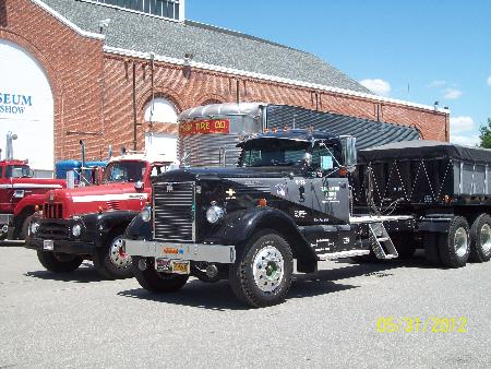 http://forums.justoldtrucks.com/Uploads/Images/81c1bdc6-0871-4abf-95e9-f3e6.jpg