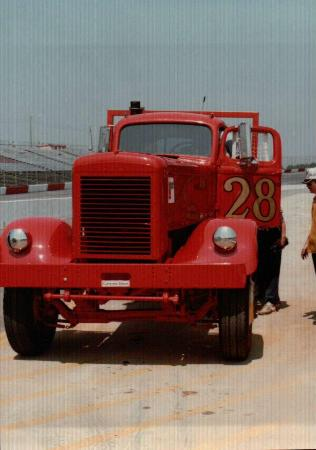 http://forums.justoldtrucks.com/Uploads/Images/87a204df-6ce3-4d59-babb-52b7.jpg