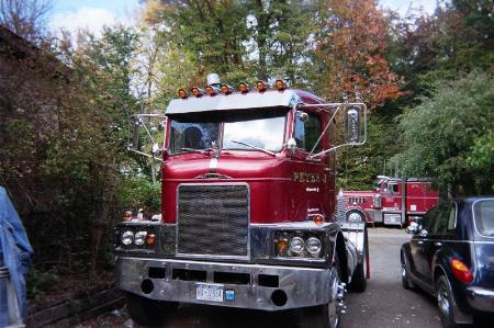 http://forums.justoldtrucks.com/Uploads/Images/9064982e-b93e-4d2d-99e6-f5ae.jpg