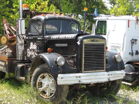 http://forums.justoldtrucks.com/Uploads/Images/a22898f0-8dc0-4acb-9c10-edba.jpg