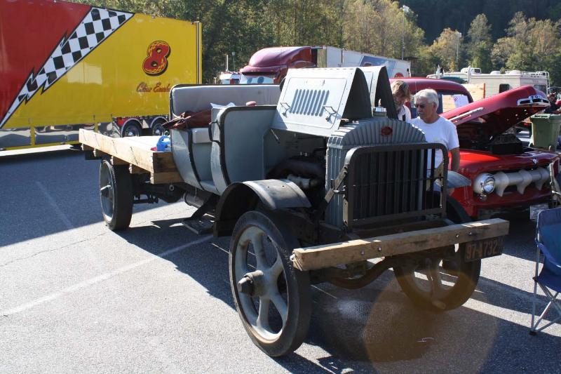 http://forums.justoldtrucks.com/Uploads/Images/ad9ec934-4264-4410-9337-e8f1.JPG