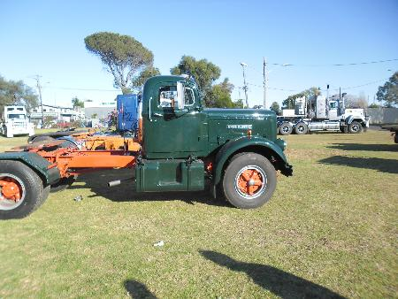 http://forums.justoldtrucks.com/Uploads/Images/af7a364b-4606-42d9-b062-22ed.JPG
