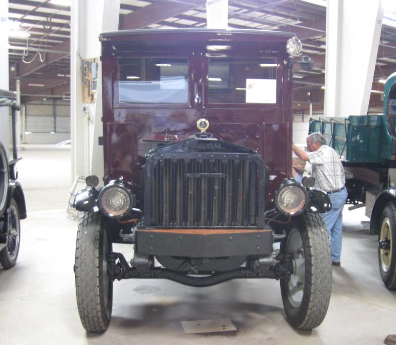 http://forums.justoldtrucks.com/Uploads/Images/afd9ae7e-8453-48b8-8bbb-7b15.JPG