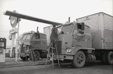 http://forums.justoldtrucks.com/Uploads/Images/b386073b-1295-4eeb-9844-efa3.jpg