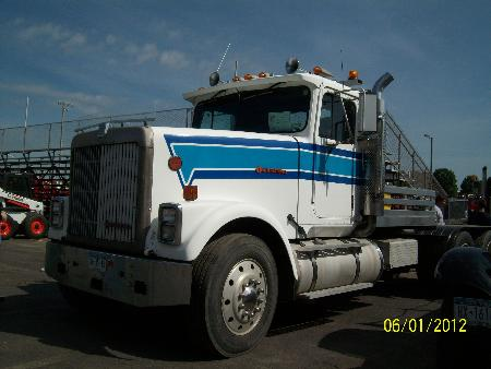 http://forums.justoldtrucks.com/Uploads/Images/b589d06b-770d-49ca-9b4b-0e17.JPG