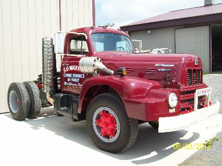 http://forums.justoldtrucks.com/Uploads/Images/c2cefd98-7ea8-49c5-9fc8-4732.JPG