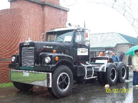 http://forums.justoldtrucks.com/Uploads/Images/da727291-45c0-4b25-8944-50f5.jpg