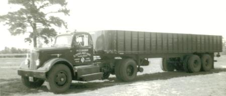 http://forums.justoldtrucks.com/Uploads/Images/dfd967da-8751-424f-b814-3dce.JPG