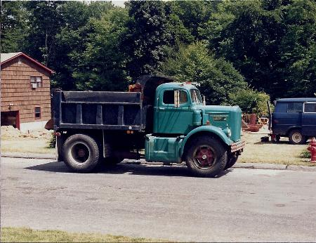 http://forums.justoldtrucks.com/Uploads/Images/e0fa7412-3ecf-4a7e-9f42-62e1.jpg
