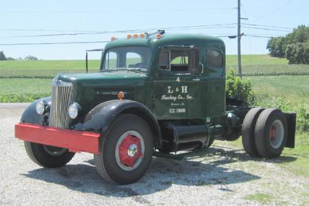 http://forums.justoldtrucks.com/Uploads/Images/e1bb9719-e11e-47c0-a5bd-c1cb.jpg