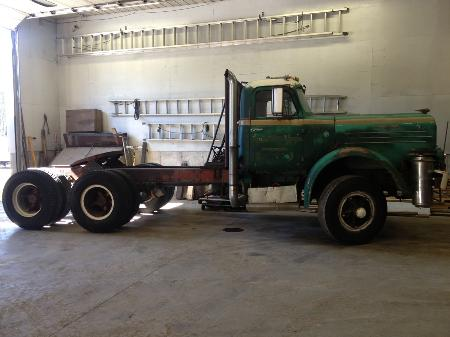 http://forums.justoldtrucks.com/Uploads/Images/e299016a-83a3-4e2e-a2af-b927.JPG