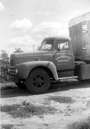 http://forums.justoldtrucks.com/Uploads/Images/e49fd4f2-56de-4fe0-8e93-7179.jpg