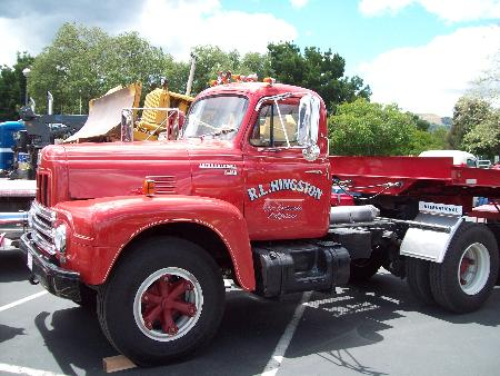 http://forums.justoldtrucks.com/Uploads/Images/e6f50d65-d834-4e48-929b-527a.jpg