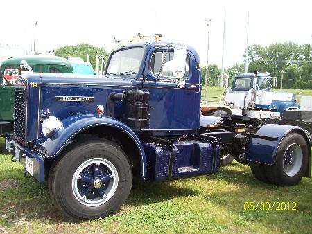 http://forums.justoldtrucks.com/Uploads/Images/e7a7fbdf-4ff2-4f83-a9a8-a558.JPG
