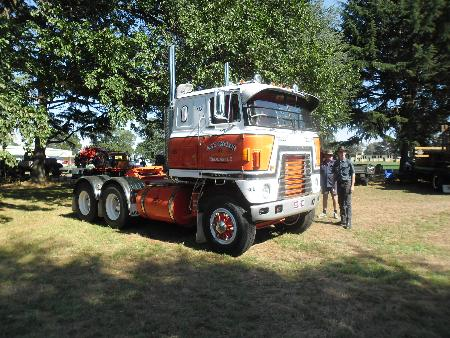 http://forums.justoldtrucks.com/Uploads/Images/f9bfa5eb-e8cf-403a-8fd4-a8bb.JPG