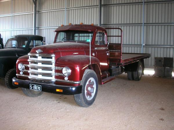 http://forums.justoldtrucks.com/uploads/images/0825cc1b-9e71-4e94-b2e4-e04e.jpg