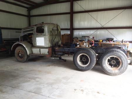 http://forums.justoldtrucks.com/uploads/images/08611596-a422-4c46-a1db-19a7.jpg