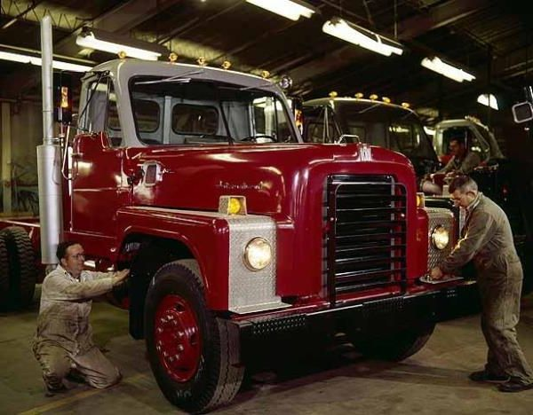 http://forums.justoldtrucks.com/uploads/images/0f301a4c-602c-4293-80c3-0a0e.jpg