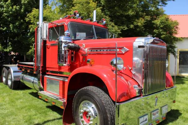 http://forums.justoldtrucks.com/uploads/images/0f63ce6f-744f-4f09-b8d0-e5b9.jpg