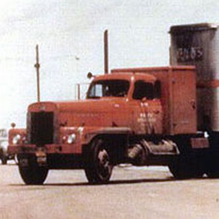 http://forums.justoldtrucks.com/uploads/images/236210bb-549f-4212-9b6f-4a7e.jpg