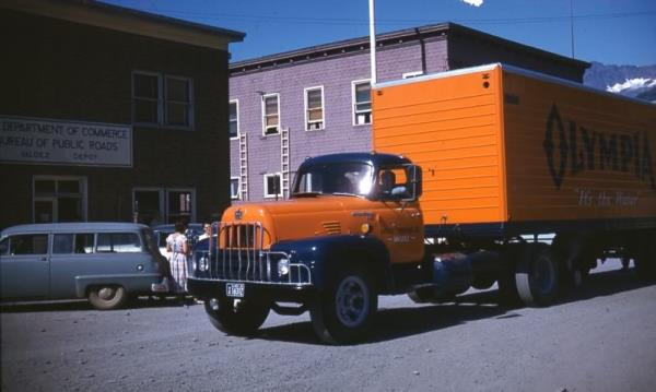 http://forums.justoldtrucks.com/uploads/images/3222d7d3-310a-46c8-9a33-783a.jpg
