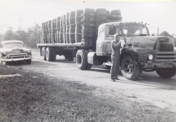 http://forums.justoldtrucks.com/uploads/images/497822ec-18ec-4056-8ba3-1bc7.jpg