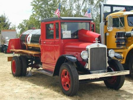 http://forums.justoldtrucks.com/uploads/images/4a511467-2166-48a1-ae94-d348.jpg