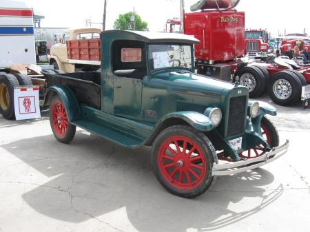 http://forums.justoldtrucks.com/uploads/images/4aaa755f-c82a-430c-a045-4250.jpg