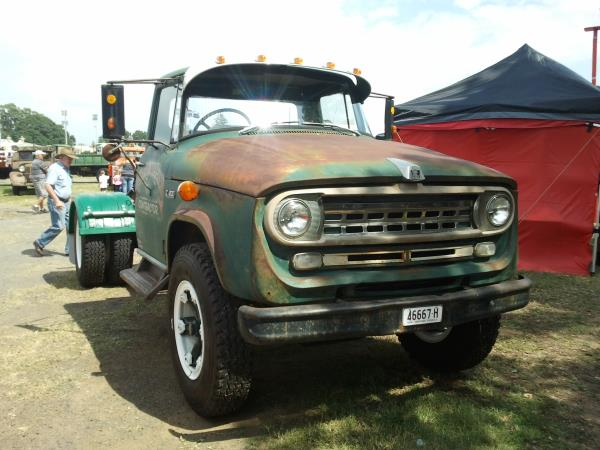 http://forums.justoldtrucks.com/uploads/images/5f81c8bf-b4e4-4461-a2fa-74b6.jpg