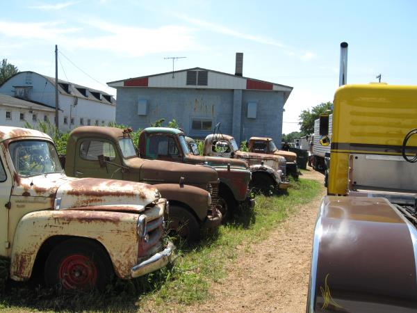 http://forums.justoldtrucks.com/uploads/images/7c921033-9974-473e-a7f7-db68.jpg
