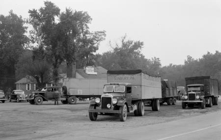 http://forums.justoldtrucks.com/uploads/images/82101340-e231-44f0-93c3-d133.jpg