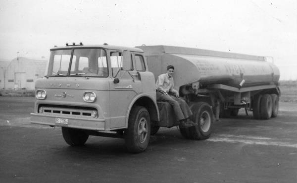http://forums.justoldtrucks.com/uploads/images/955b4565-a714-49f7-ae17-749b.jpg
