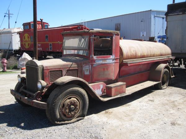 http://forums.justoldtrucks.com/uploads/images/a14e9b32-8ade-49c7-97a2-d0ef.jpg