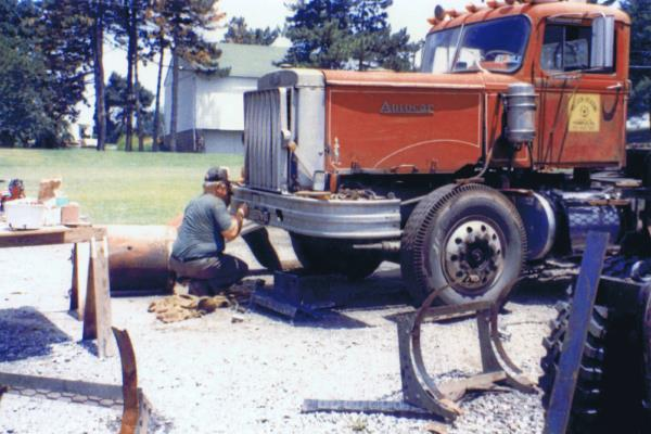 http://forums.justoldtrucks.com/uploads/images/aa4a7a19-58d2-4478-9a80-9eb8.jpg
