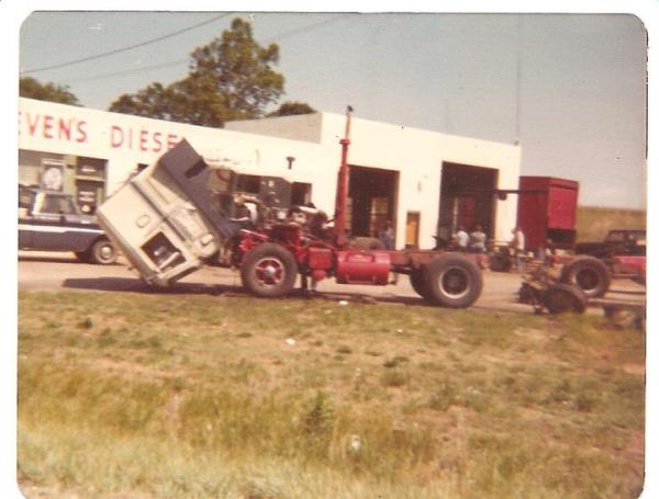 http://forums.justoldtrucks.com/uploads/images/b9d50b5f-0bd9-4fcd-88af-1c24.jpg
