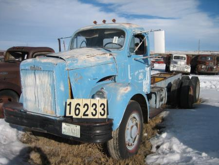 http://forums.justoldtrucks.com/uploads/images/c5f39925-b440-4903-9635-af39.jpg